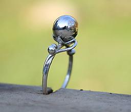 Prstene - Strieborný prsteň guličkový - 12609499_