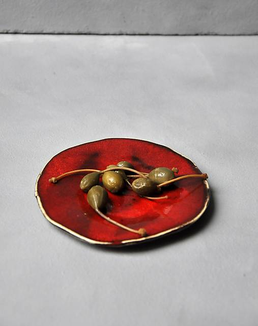 podšálka, tanierik, svietnik  kruh červený