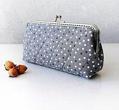 Peňaženky - Peňaženka XL s vreckom na zips Bodky v šedej - 12607162_