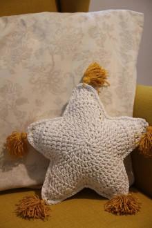 Úžitkový textil - háčkovaný vianočný vankúšik - 12613178_