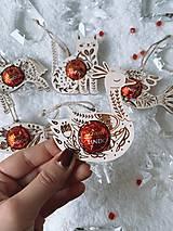 Dekorácie - Vianočná ozdoba salónka labuť - 12614897_