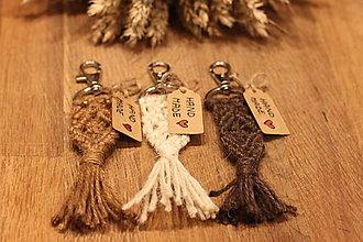 Kľúčenky - Makramé darček pre svadobčanov  (1 ks) - 12615442_