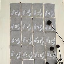 Dekorácie - Adventný kalendár pierka - 12619430_