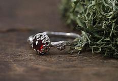 Prstene - Vetvičkový pre princeznú s granátom - 12625799_