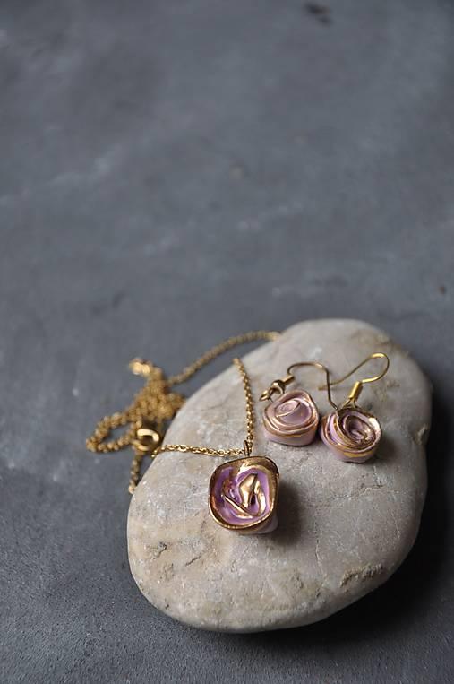 náušnice ružovo-zlatá ruža