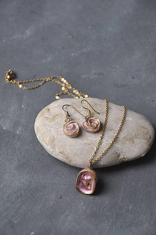 náhrdelník ruža zo zlatom