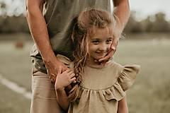 Detské oblečenie - Ľanové šaty s veľkým volánom a mašľou (prírodná - piesková) - 12620554_