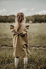 Detské oblečenie - Ľanové šaty s veľkým volánom a mašľou (prírodná - piesková) - 12620576_