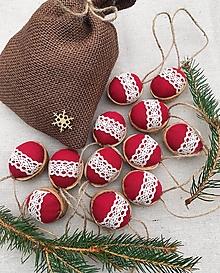 Dekorácie - Vianočný balíček - 12 oriešky + vrecúško - 12628957_