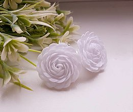 Náušnice - Svadobné náušnice - snehobiele textilné ružičky - 12634398_