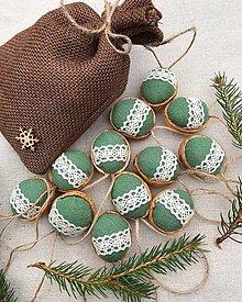 Dekorácie - Vianočný balíček - 12 oriešky + vrecúško - 12634746_