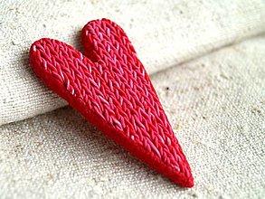 Odznaky/Brošne - červené štrikované pre Tildu - 12635279_