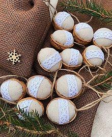Dekorácie - Vianočný balíček - 12 oriešky + vrecúško  - 12637694_