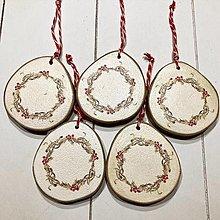 Dekorácie - Ozdoby na vianočný stromček -  drevený plát / venček - 12646886_