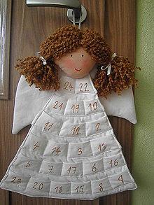 Dekorácie - Adventný kalendár anjelka (50x30 cm - Biela) - 12643010_