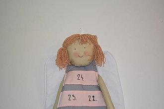 Dekorácie - Adventný kalendár anjelka (120cm - Šedá) - 12643014_