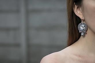 Náušnice - Grey - soutache earring - ručne šité šujtášové náušnice - 12654073_