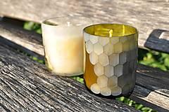 Dobrý obchod - Sviečka z včelieho vosku v brúsenom skle - olivovo zelená - 12655035_
