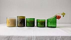 Dobrý obchod - Sviečka z včelieho vosku v brúsenom skle - zelená - 12655181_