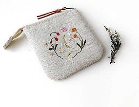 Taštičky - Vyšívaná taštička Letné kvety a plody - 12649779_