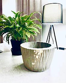"""Dekorácie - Betónový kvetináč pre izbové rastliny """"Golden Loft"""" vel. L - 12652026_"""