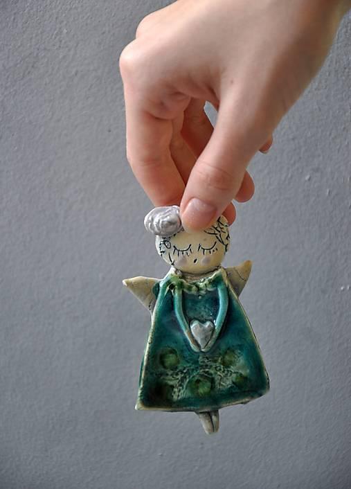 Anjel na zavesenie so srdiečkom tyrkysový