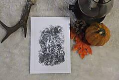 Kresby - Gryphon na gotickom zámku Art Print - 12661328_