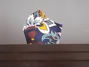 Rúška - Anatomicky tvarované bavlnené rúško / kvety na modrom podklade - 12665735_