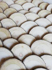 Dekorácie - Drevené plátky okrúhle 6,6 - 7,2 cm - 12664578_