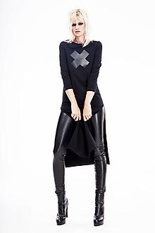 Šaty - FNDLK úpletové šaty 485 RVqL midi s rozparkama - 12668294_
