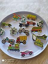 Detské doplnky - Autá, motorky, piráti, stroje, helikoptéra..5 odznakov - 12668805_