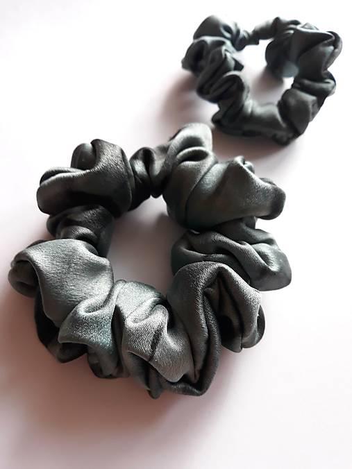 Set 2 hodvábnych gumičiek do vlasov, na ruku -