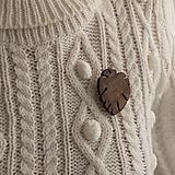Odznaky/Brošne - Drevená brošňa MONSTERA - 12670931_