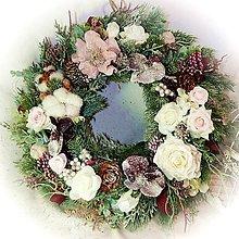 Dekorácie - Zimní trvanlivý věnček - Orchidejky a růže pod sněhem - 12672286_