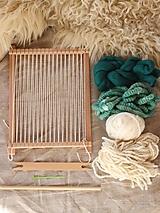 Dekorácie - Sada na tkanie tapisérie (biela/zelená) - 12673243_