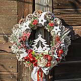 Dekorácie - Vianočný veniec so stromčekom - 12676762_