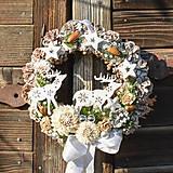 Dekorácie - Vianočný veniec na dvere so sobíkmi - 12676887_