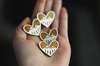 Odznaky/Brošne - Drevená Brošňa Srdce z lesa (Mini) - 12673712_