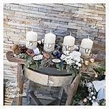 Dekorácie - Adventny svietnik drevene sane biela modra zlata - 12676859_