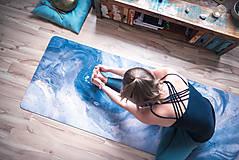 Úžitkový textil - Štýlová joga podložka Touha zo 100% prírodného kaučuku - 12673317_
