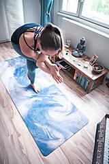Úžitkový textil - Štýlová joga podložka Touha zo 100% prírodného kaučuku - 12673319_