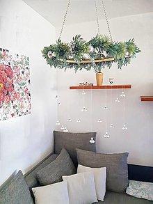 Dekorácie - visiaci vianočný veniec/girlanda od babičky - 12681029_