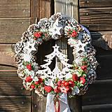 Dekorácie - Vianočný veniec na dvere so stromčekom - 12676973_