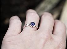 Prstene - Vetvičkový s brúseným zafírom - 12681831_