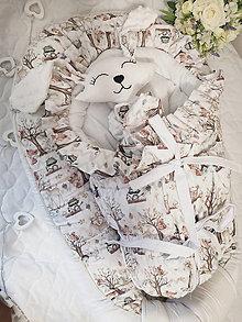 Textil - Hniezdo, zavinovačka a mojkacik s motívom lesných zvieratiek v kombinácii s bielou - 12681250_