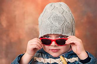 Detské čiapky - Sivá osmičková čiapočka - 12681477_