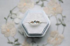 Prstene - Zlatý prsteň s mesačným kameňom - Bokeh Gold Moon - 12683278_