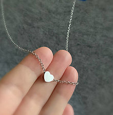 Náhrdelníky - náhrdelník so srdiečkom - 12684459_