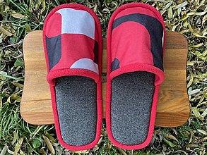 Obuv - Červené vzorované papuče - 12683059_