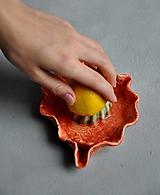 Nádoby - odšťavovač na ovocie oranžovo jahodovo zelený - 12683577_